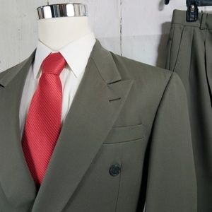 Botany 500 Gladiator 41R Dark Green 2pc Suit
